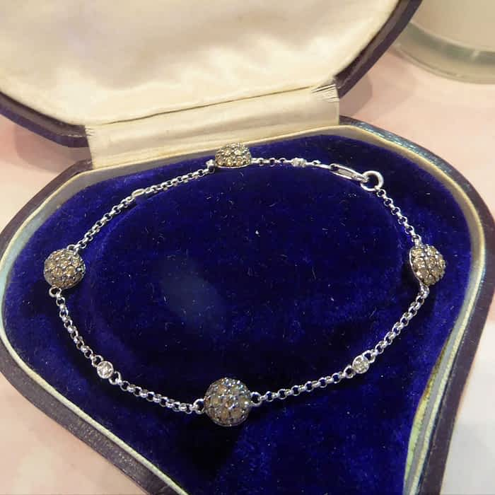18ct white gold and champagne diamond bracelet