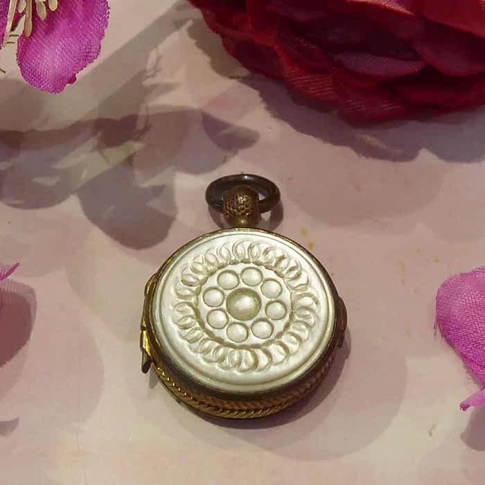 Antique Vinaigrette, Early Victorian, Mother of Pearl