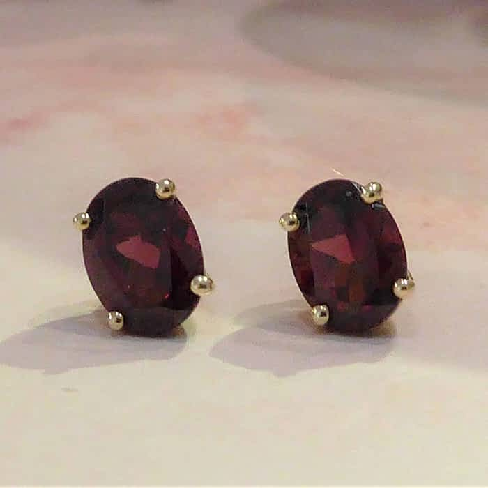 9ct gold and garnet oval stud earrings