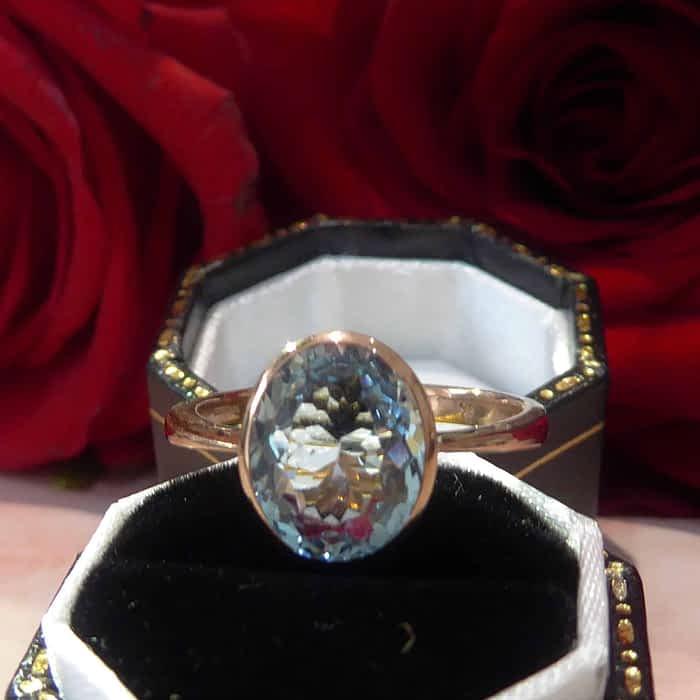 Rose gold and Aquamarine Ring, 9ct, Oval Shape