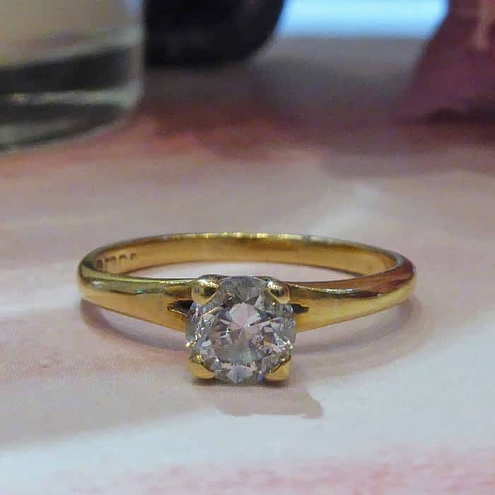 Vintage 18ct gold and diamond solitaire ring