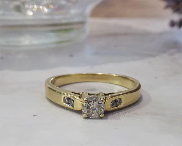Vintage Diamond Ring, 9ct Gold