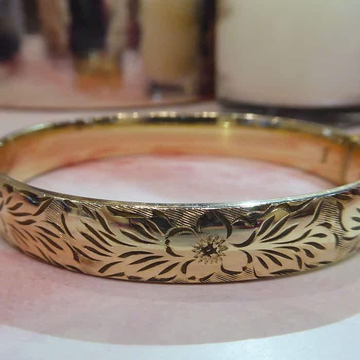 Vintage 9ct Rolled Gold Engraved Bangle
