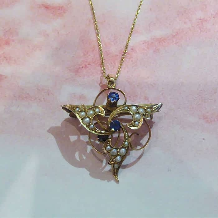 Edwardian 9ct gold, sapphire and seed pearl necklace